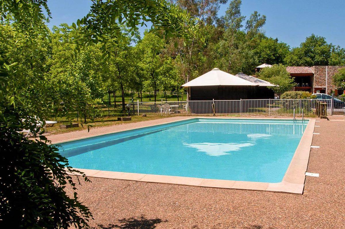 Camping les vans en sud ard che camping avec piscine for Camping ardeche 2 etoiles avec piscine